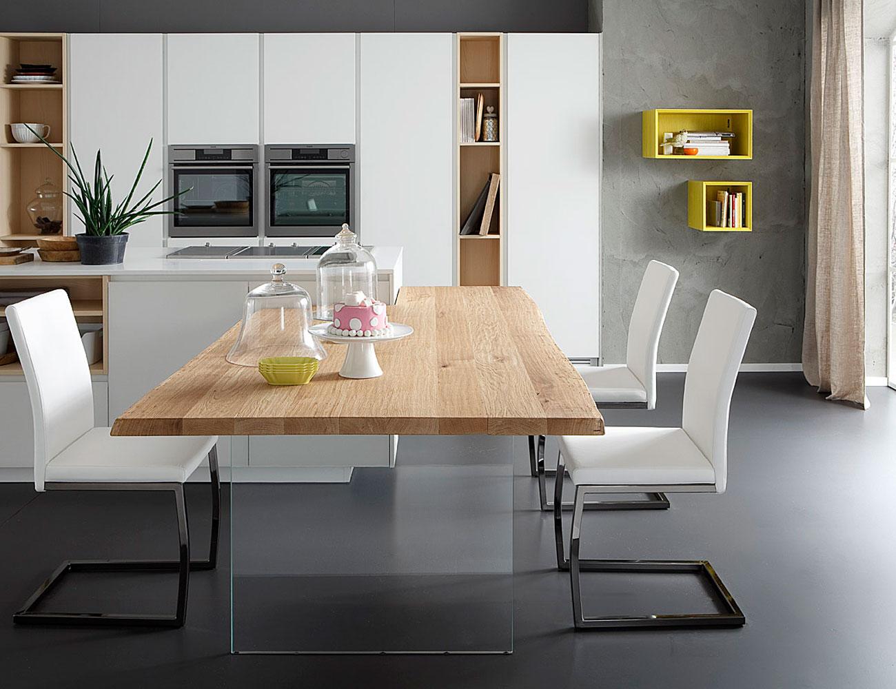 Lambri arredamenti vendita mobili classici di design e for Arredamenti piacenza